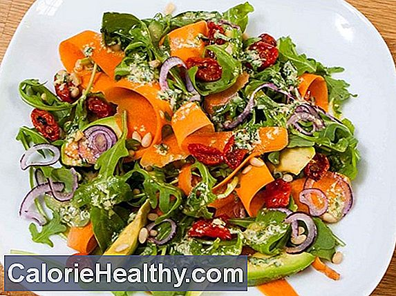 Avocado salad with spinach leaves